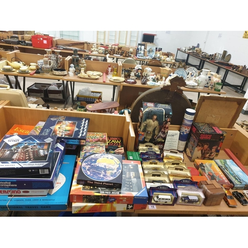 15 - A collection of toys and games to include diecast etc...