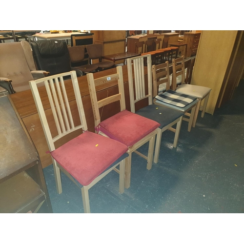 821 - Five dining chairs...