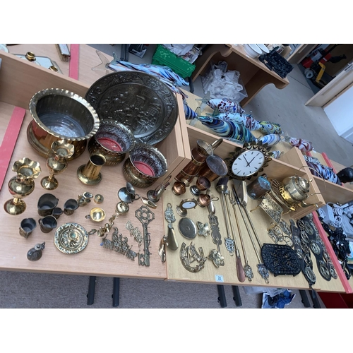 28 - A selection of mixed metalware including brass,copper etc....