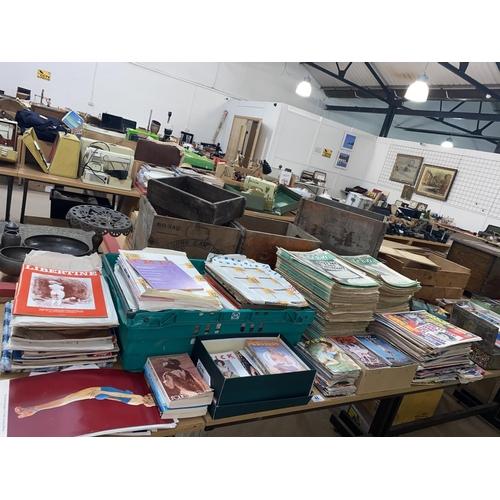 48 - A large selection of vintage Glamour magazines including Spick, Mayfair, Park Lane etc.