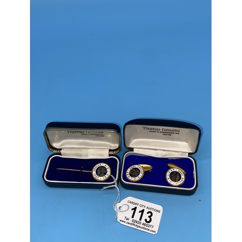 113 - A 9k gold lapel pin and a pair of 9k gold cufflinks - Associated Society of Locomotive Engineers and...
