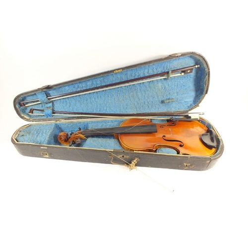 434 - An early 20th century violin with 14