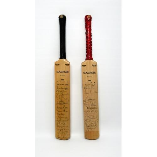 185 - TWO PRESENTATION MINIATURE SLAZENGER CRICKET BATS (L. 43.3 CM RESPECTIVELY) THREE VINTAGE CRICKET BA...