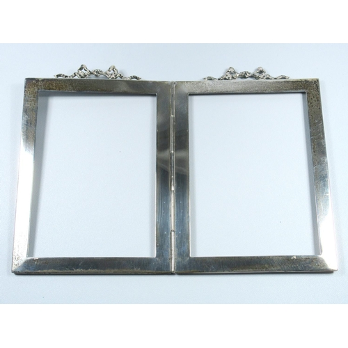 167 - PAIR OF SILVER FOLDING RECTANGULAR PHOTOGRAPH FRAMES (OVERALL 17 X 12 CM), 96.9 GRAMS, ANOTHER PHOTO...