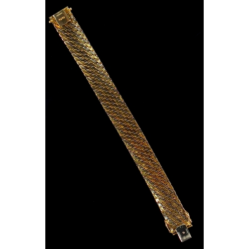 38 - ITALIAN THREE COLOUR GOLD MILANESE STYLE BRACELET, STAMPED 750, IMPORT MARKS 585, LONDON 2019 BUT TE...