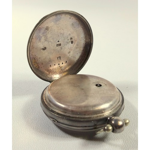 32 - A VICTORIAN POCKET WATCH WITH A SILVER DIAL, GILT ROMAN NUMERALS AND SECONDS DIAL ENCLOSING A VERGE ...