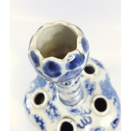 124 - 19th CENTURY CHINESE BLUE AND WHITE PORCELAIN CROCUS VASE WITH FIVE LOBED APERTURES, TAPERING NECK A...
