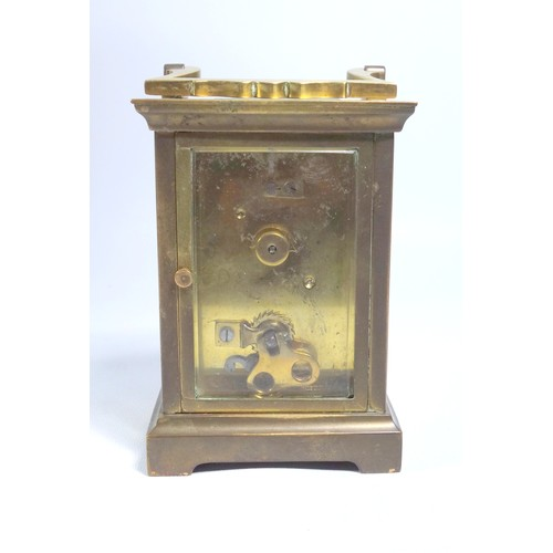 36 - LATE 19TH CENTURY FRENCH MANTEL TIMEPIECE WITH A CIRCULAR WHITE ENAMELLED DIAL ENCLOSING AN EIGHT DY...