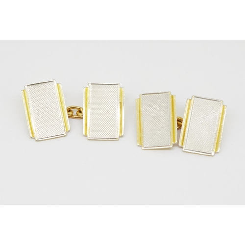 40 - PAIR OF 18-KT GOLD AND PLATINUM CUFFLINKS PAIR OF 18-KT GOLD AND PLATINUM CUFFLINKS, of rectangular ...