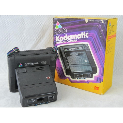 847 - An 'as new' Kodak Kodamatic 930 Instant camera in original box....