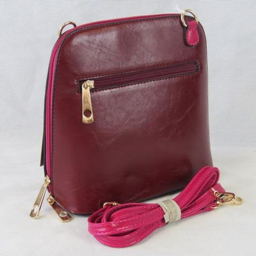 120 - Handbag. Red/Pink, shoulder strap, zip closure, two internal zip pockets. 22cm wide....