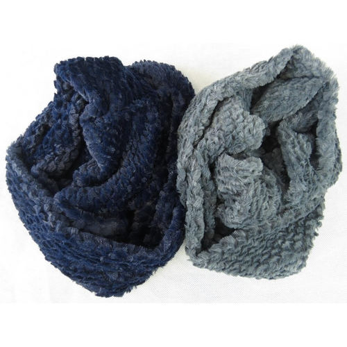 302 - Scarfs. Two fluffy hoop scarfs, navy and grey....
