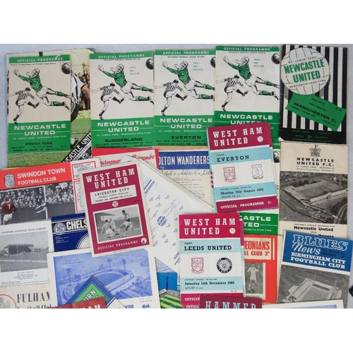 162 - A collection of vintage and retro 1960s-1870s football programmes including nine West Ham and eight ...