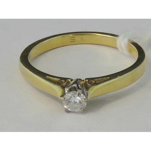 177 - An 18ct gold diamond solitaire ring, 0.13ct diamond in raised claw setting, all yellow metal hallmar...