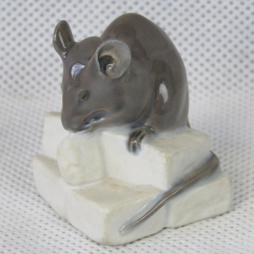 527 - A Royal Copenhagen mouse; 4.5cm high....