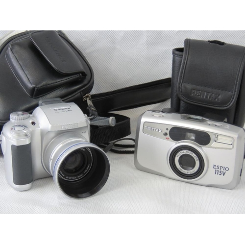 843 - Three vintage and retro cameras all with original cases and a pair of ''Army'' and ''Navy'' binocula...
