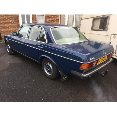 300 - A Mercedes 200c saloon car, Reg B738 LDL, first registered 13/03/1985. 2L petrol, manual gear box, 1...