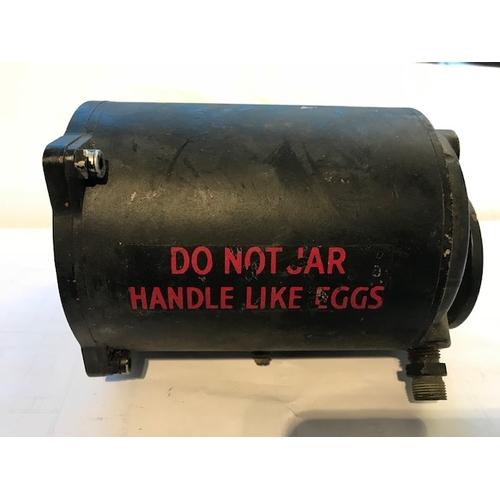 10 - An original WWII artificial horizon Mk1B  from an RAF Lancaster bomber bearing red label 'Do not jar...
