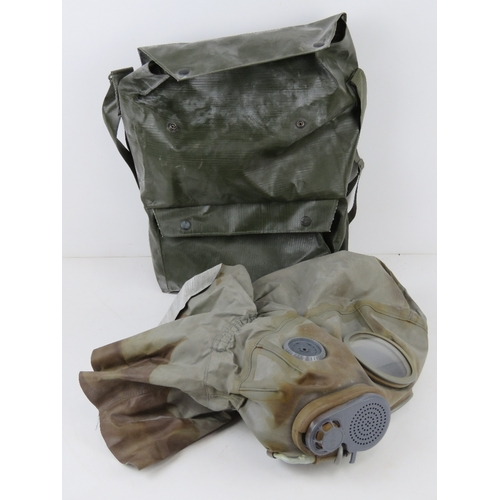 23 - A Czech M-10 M military gas mask in bag.
