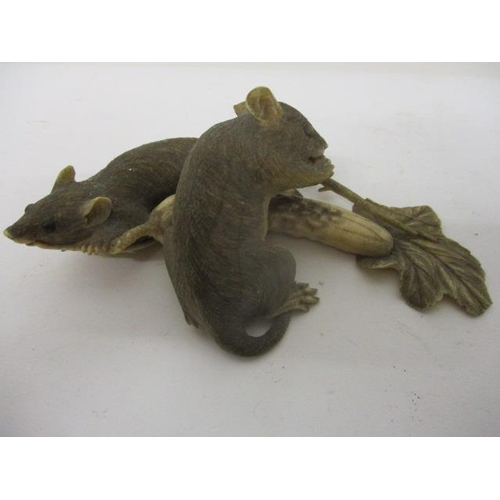 105 - An early 20th century Japanese carved ivory model of two rats eating a Goya, 5