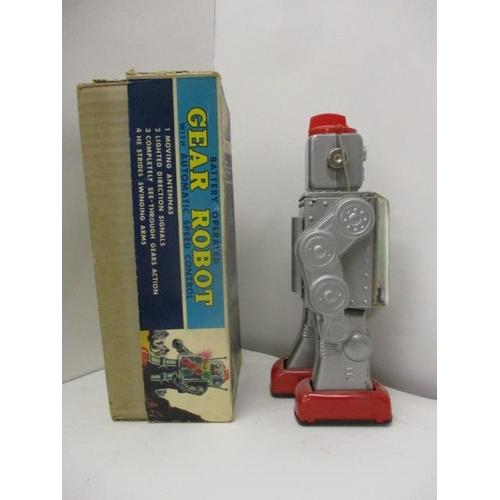12 - A Japanese SH Horikawa 'Gear Robot', battery operated, 11