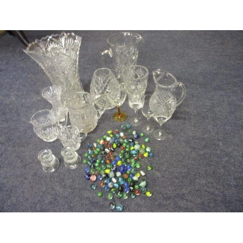 15 - A quantity of retro glass marbles and a selection of glassware...