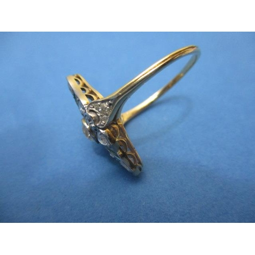 81 - An Art Deco design yellow gold and platinum ring of oval lobed design set with three diamonds, in ru...