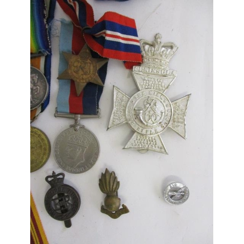 117 - Three pairs of WW1 British war and Victory medals, inscribed 36538 PTE G Meaden, 82513 GNR H Robinso...