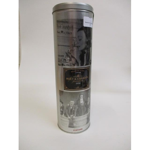 7 - A 1998 bottle of Moet & Chandon Champagne (Vintage), 750ml...
