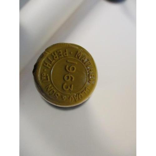 123 - Twelve bottles of 1963 vintage port A/F...