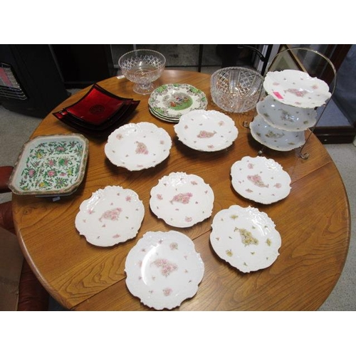 23 - A group of ceramics and glassware to include a 19th century Chinese Canton famille rose tureen base...