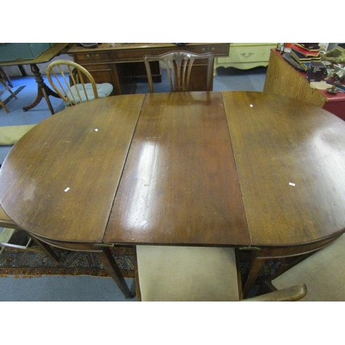 43 - A 19th century D end dining table with one extra leaf, 69