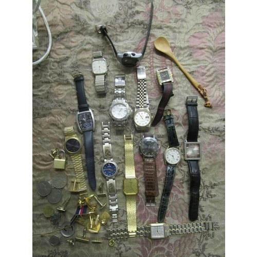 3 - A mixed lot of gents dress wristwatches, cuff links and other items...