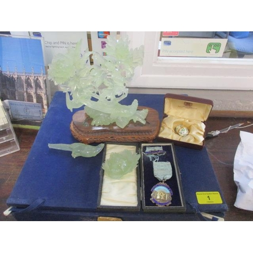1 - A jade figurine and a Masonic medal in a case with a thimble...