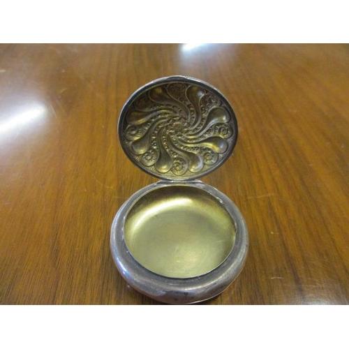 45 - A silver pill box...