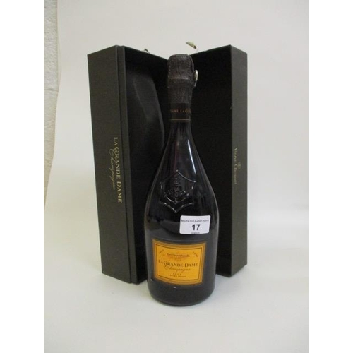 17 - A single boxed bottle of 1990 Veuve Clicquot La Grande Dame Champagne, 750ml...
