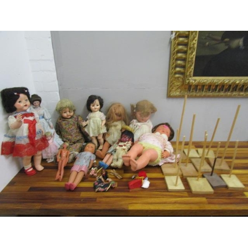 1 - A collection of mainly 1950s/60s and vintage dolls...
