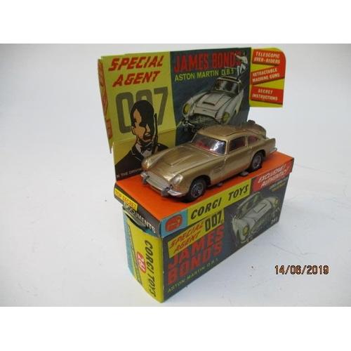 47 - Dinky Toys - Corgi Toys 261 James Bond Goldfinger, Aston Martin DB5 complete with display insert, to...