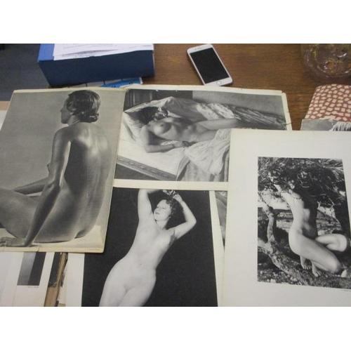 42 - Japanese wood block prints, calendars and '28 Etudes De Nus Arts et Metiers Graphiques' 1936 Nude Po...