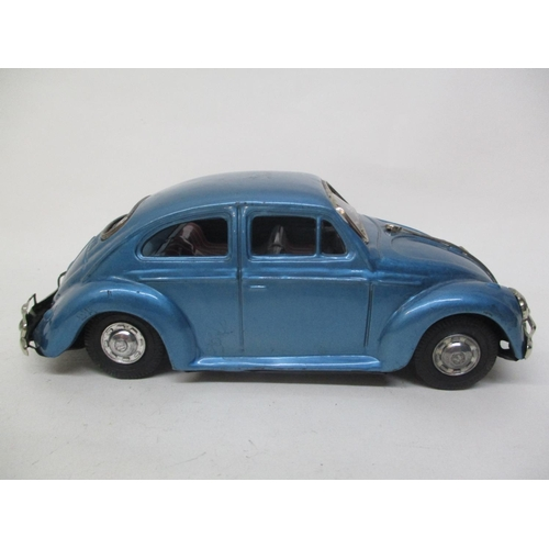 13 - A 1950s/60s Bandai Japanese blue tin plate Volkswagen Beetle, 3