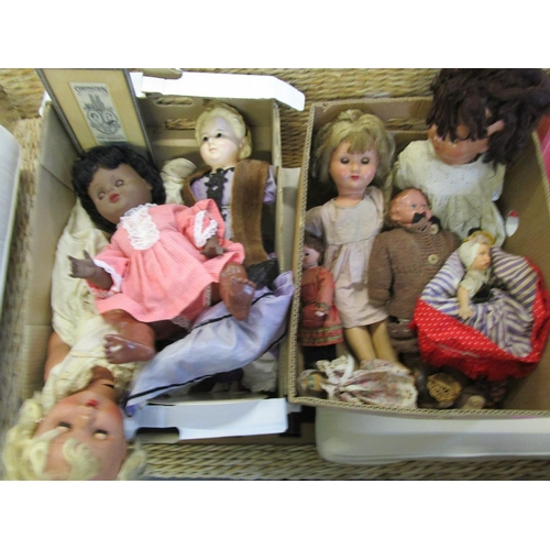 36 - A collection of 1940s/50s and 60s dolls to include a composition headed doll, a topsy turvey cloth h...