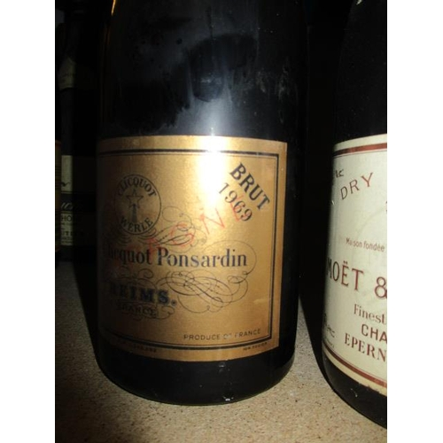 62 - Two magnums of Beaune Recotte 1967 Location RWB...