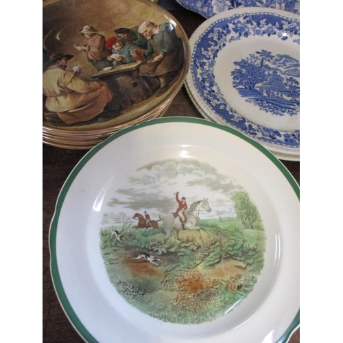 27 - Mixed late 20th century ceramics to include a Bavarian part dinner service, together with early 20th...