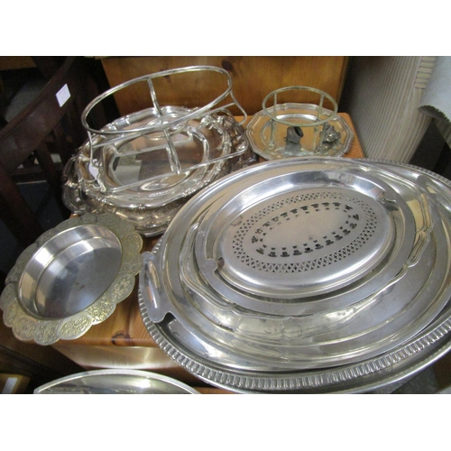 506 - A mixed lot of silver plate to include meat plates Location G...