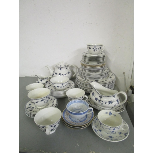 455 - Mixed china to include a Royal Doulton Yorktown part dinner service Location G...