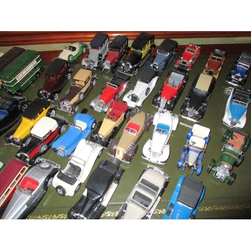 4 - A quantity of miscellaneous Corgi and tin plate models to include mixed coaches, 00 gauge tender Eve...