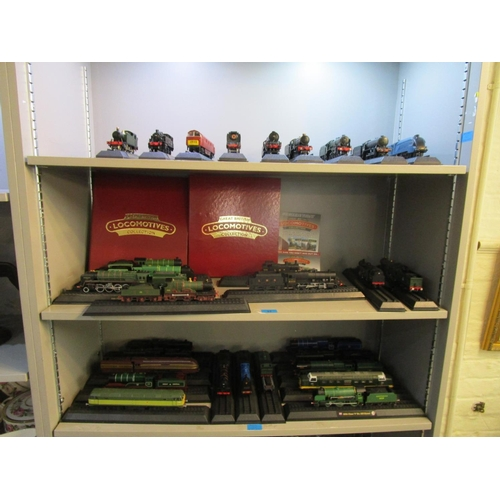 51 - A collection of thirty Americon 00 gauge model locomotives with two folders of magazine information ...