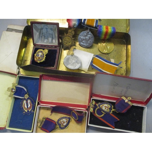 25 - Mixed medals to include WWI medals and Masonic medals Location: CAB...