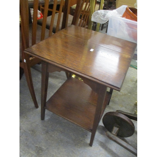 27 - Mixed furniture to include a two tier trolley and two oak occasional tables Location: G...