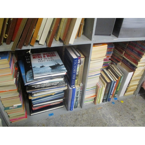92 - A large collection of Retro Mills and Boons paperback books and others Location: G...
